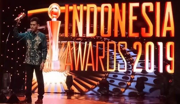 Deputi Kemenpora Asrorun Niam Raih Penghargaan Indonesia Award 2019