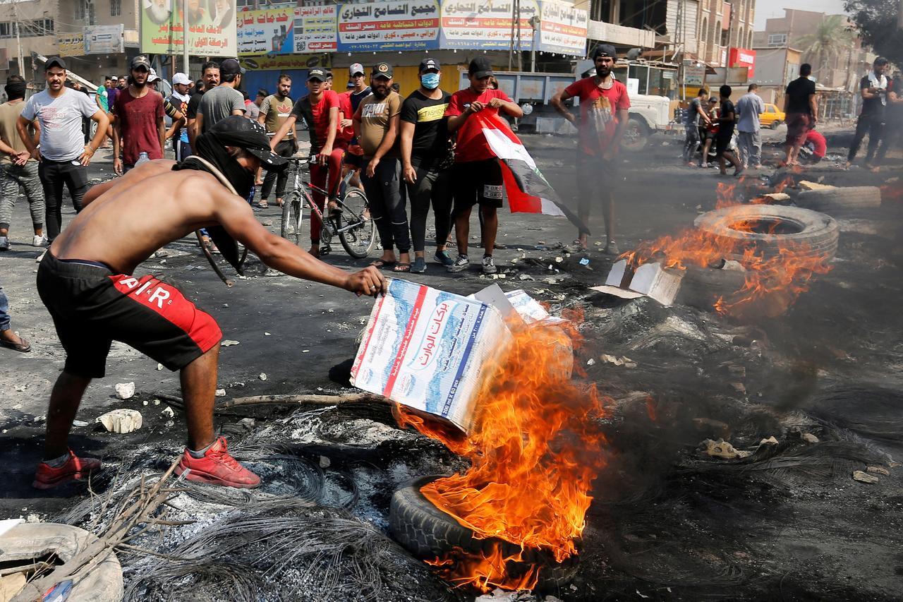 Demo Rusuh, Kantor Konsulat Iran Dibakar Warga Irak - JPNN.com