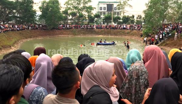 Dua Mahasiswa UIN Raden Intan Ditemukan Tewas di Embung Kampus - JPNN.com