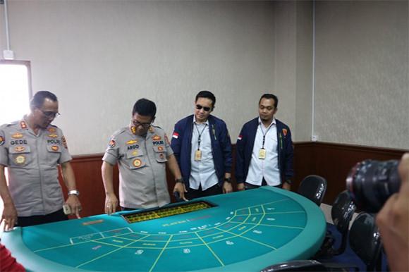 1 Tewas saat Penggerebekan Kasino di Apartemen Robinson, Jatuh dari Lantai 29 - JPNN.com