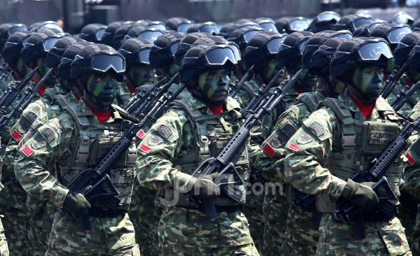Ada Video Tentara Latihan Perang di Permukiman Warga Pasuruan, Kodam Brawijaya Bereaksi - JPNN.com