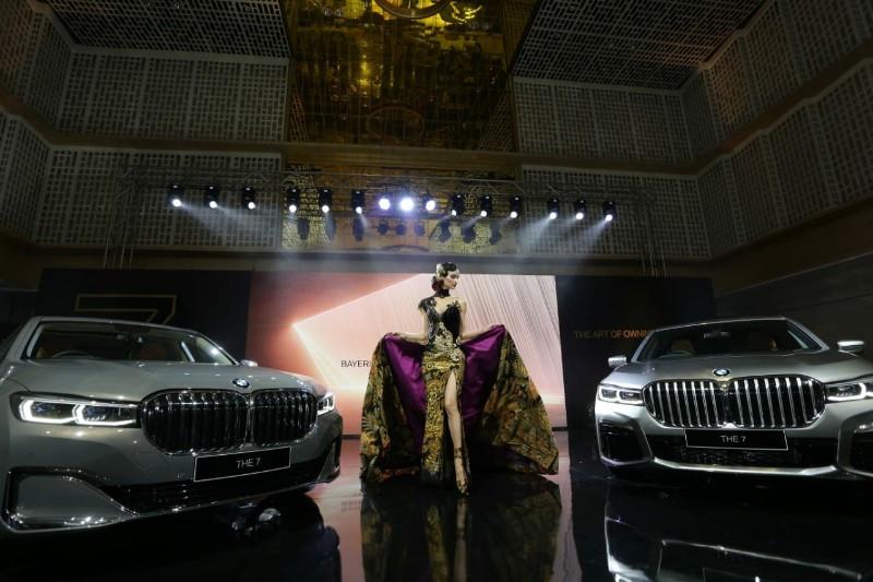 BMW Seri 7 Terbaru Resmi Mengaspal, Harga Rp 2 Miliar