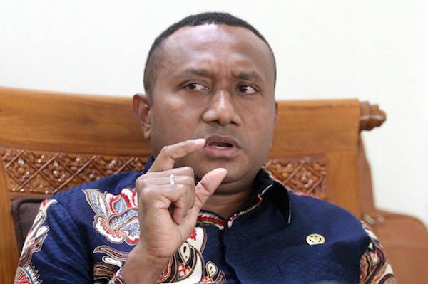 Yan Mandenas: Usut Tuntas Kasus Rasialis Warga Papua di Surabaya - JPNN.com