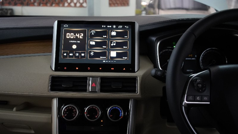 Head Unit Baru Khusus Mitsubishi Xpander Dibanderol Rp 6 Juta, Telisik Spesifikasinya - JPNN.com