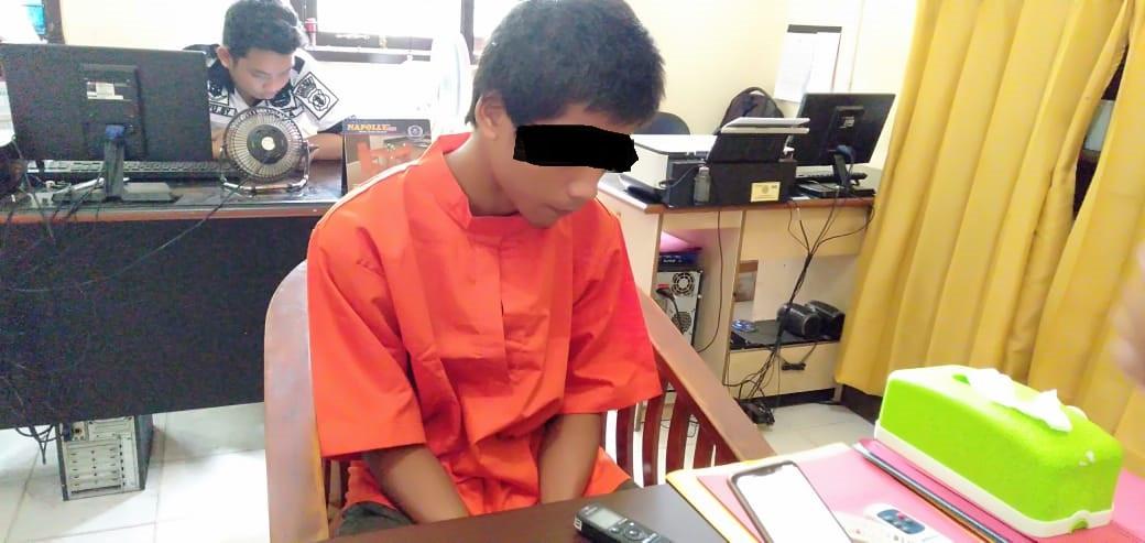 Berawal dari Curhat, Si Kakak Malah Ajak Adik Berbuat Terlarang, Sudah Berkali-kali - JPNN.com
