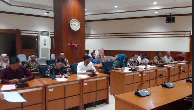 Tidak Ditemui Kepala BKN, Honorer K2 Pimpinan Titi Purwaningsih Pilih Bertahan - JPNN.com
