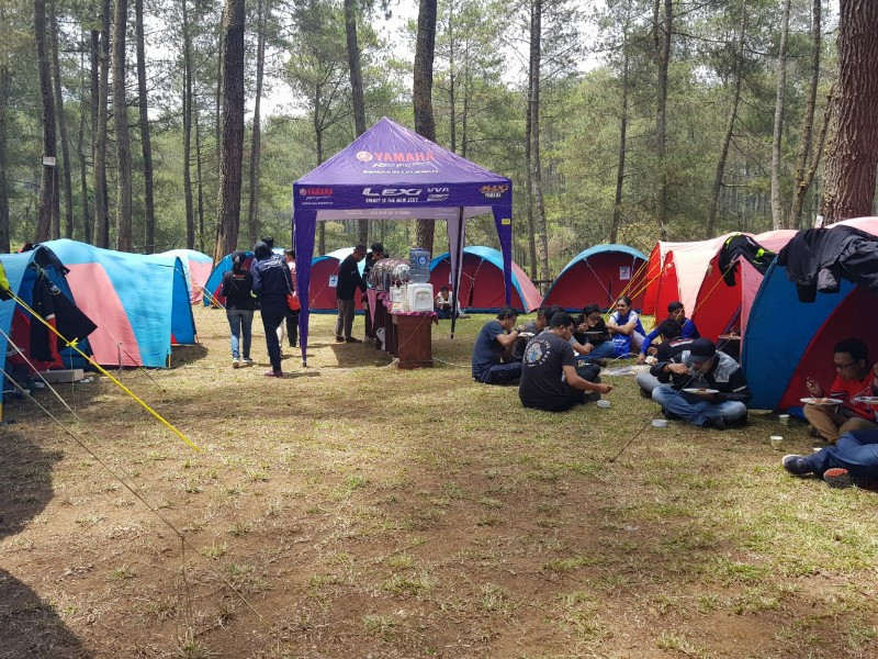 JMC Larut dalam Kehangatan Ride n Camp MAXI Yamaha Day di Cikole - JPNN.com