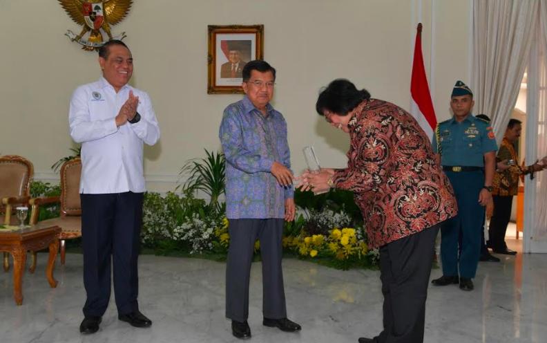 Di Akhir Masa Jabatan Menteri Siti, KLHK Raih Dua Penghargaan - JPNN.com