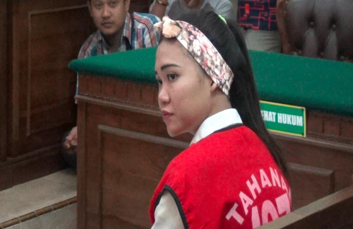Terancam 5 Tahun Penjara, Ibu Hamil Ini Tetap Pamer Senyum dalam Sidang - JPNN.com