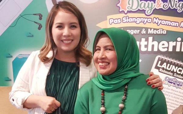 Cerita Tya Ariesta Merawat Ibunda yang Menderita Kanker Otak - JPNN.com