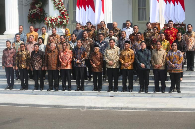Percayalah, Ada Menteri yang Bakal Dipecat Jokowi Tahun Depan - JPNN.com