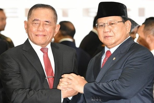 Prabowo kepada Ryamizard: Old Soldiers Never Die And They Never Fade Away - JPNN.com