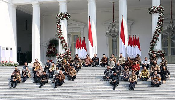 Jika 2 Masalah Ini Teratasi, Kemungkinan Jokowi Reshuffle Kabinet - JPNN.com