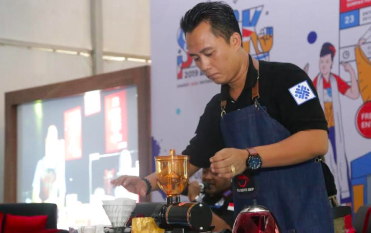 Kemnaker Promosikan Inkubasi Bisnis Pelatihan Barista - JPNN.com