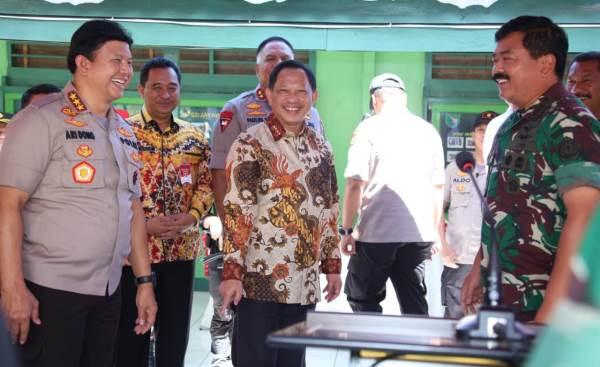 Tito Karnavian Mendapat Kejutan dari Prajurit TNI dan Polri di Wamena - JPNN.com