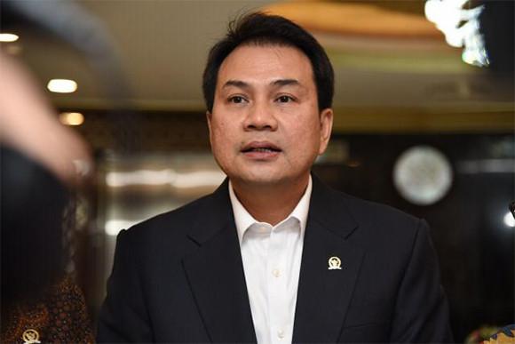 Banyak Kasus Gagal Bayar, Bang Azis DPRPunya Saran Buat OJK - JPNN.com