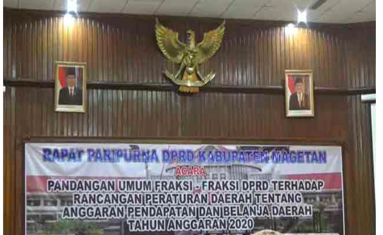 Kantor DPRD Belum Pasang Foto Ma'ruf Amin, Masih Pajang Gambar Jusuf Kalla - JPNN.com