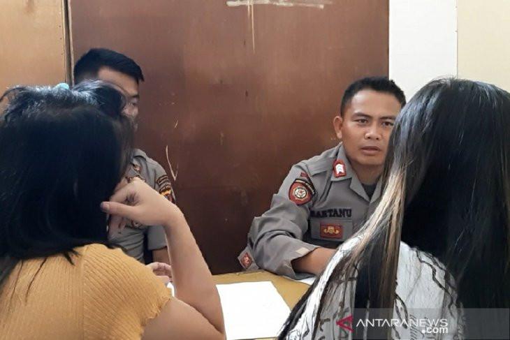 Di Dalam Kamar Hotel Ada Lima Wanita dan Tiga Laki-Laki, Ditemukan Alat Kontrasepsi - JPNN.com