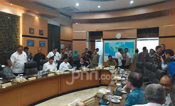 Prabowo dan Tito Mana? Dipanggil Mahfud MD Kok Tidak Datang - JPNN.com