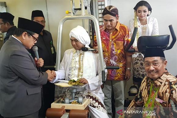 Soekarno, Pangeran Diponegoro, Soedirman dan Teuku Umar pun Nikah Bareng - JPNN.com