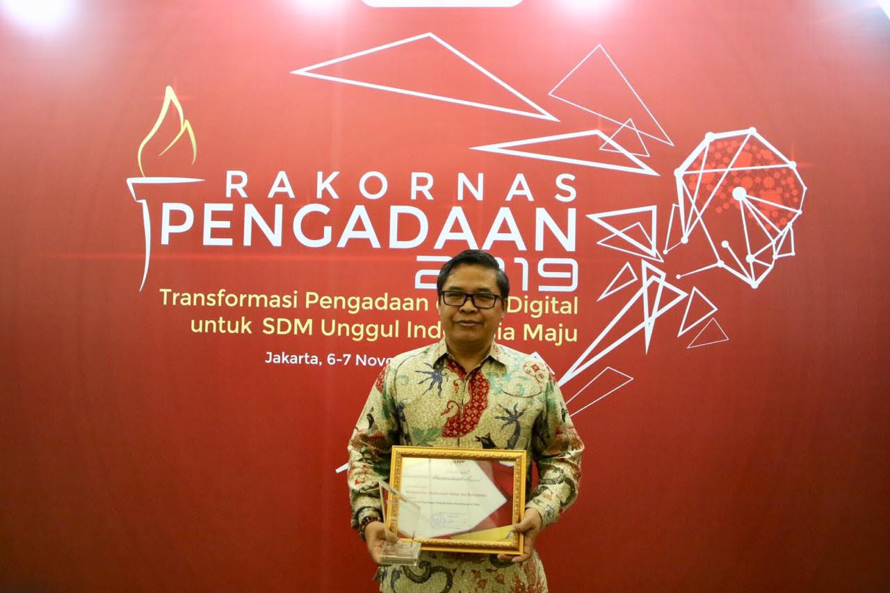 KLHK Raih Penghargaan National Procurement Award dari LKPP - JPNN.com