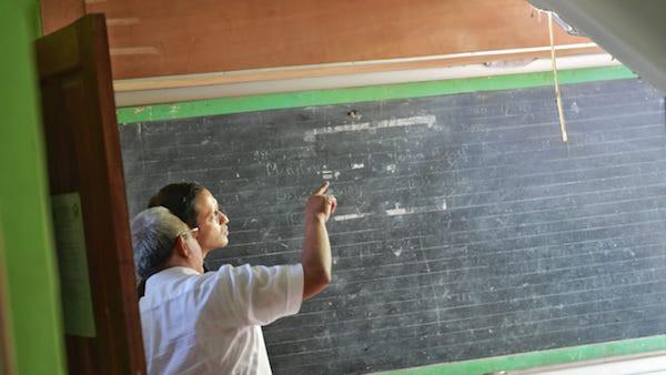 Mendikbud Nadiem Minta Ambruknya Atap SDN di Pasuruan Diinvestigasi - JPNN.com