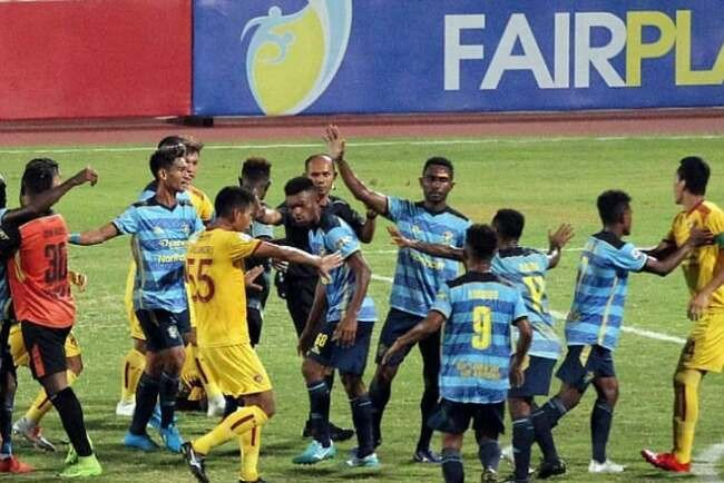 Diwarnai Insiden Perkelahian dan Fan Masuk Lapangan, Sriwijaya FC Taklukkan Persewar