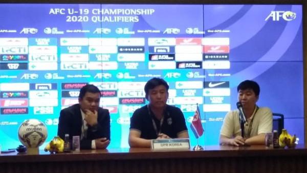 Kecewa Berat, Pelatih Korut Beri Pengakuan Begini Usai Bermain Imbang Lawan Indonesia - JPNN.com