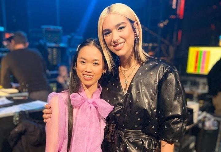 Juara The Voice Jerman 2019, Claudia Emmanuela Santoso Dirangkul Dua Lipa - JPNN.com