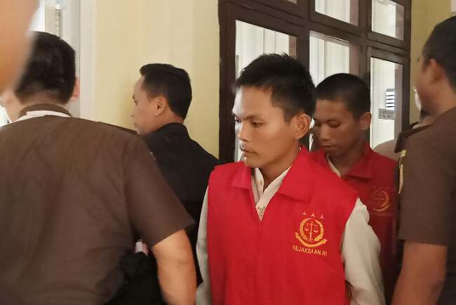 Ekspresi Dua Pembunuh Calon Pendeta Ketika Lolos dari Hukuman Mati - JPNN.com