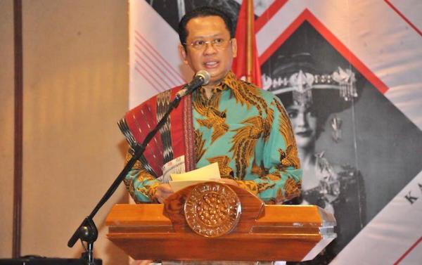 Bamsoet Dukung Ulos Sebagai Warisan Budaya Tak Benda Dunia - JPNN.com