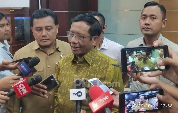 Mahfud Minta Malaysia Aktif Antisipasi Perompak Kelompok Abu Sayyaf - JPNN.com
