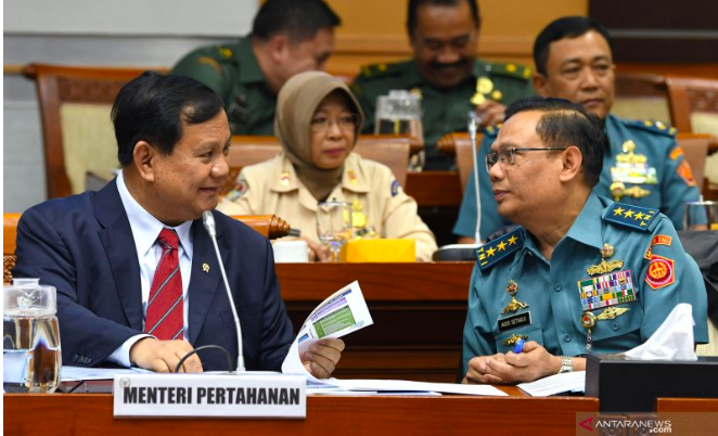 Menhan Prabowo Subianto Nyaris Keok karena Adian Napitupulu dan Effendi Simbolon - JPNN.com