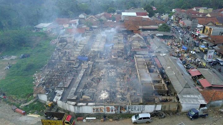 Pasar Baros Terbakar, Pedagang Bingung Memulai Usaha - JPNN.com