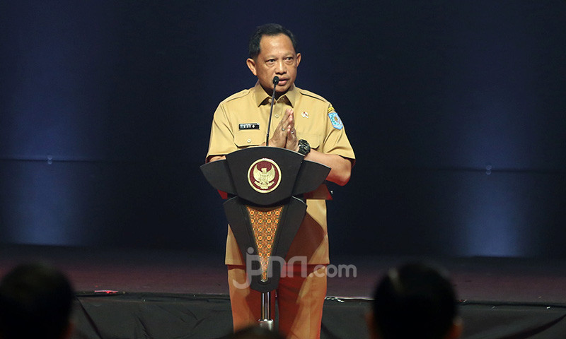Analisis Sukarelawan Jokowi soal Ambisi Tito Karnavian Mendekati Anies Baswedan - JPNN.com