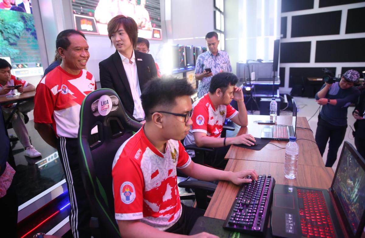 Menpora Memotivasi Atlet eSports Indonesia agar Mendulang Emas SEA Games 2019