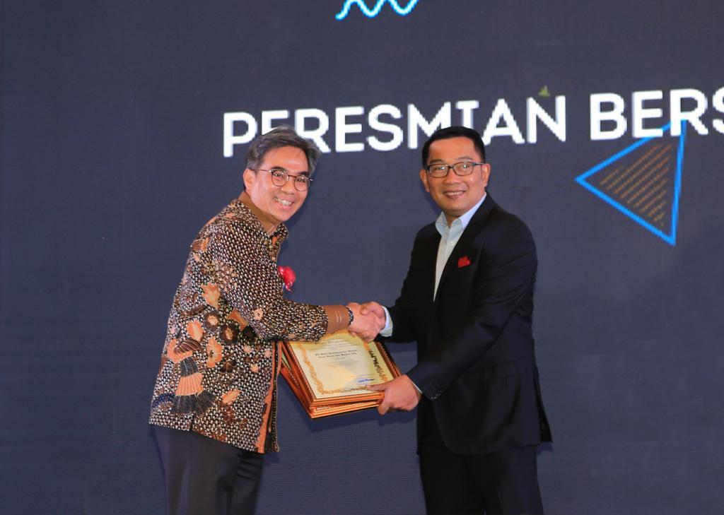 Bank BJB Raih Dua Penghargaan Mitra Pembangunan Jawa Barat - JPNN.com