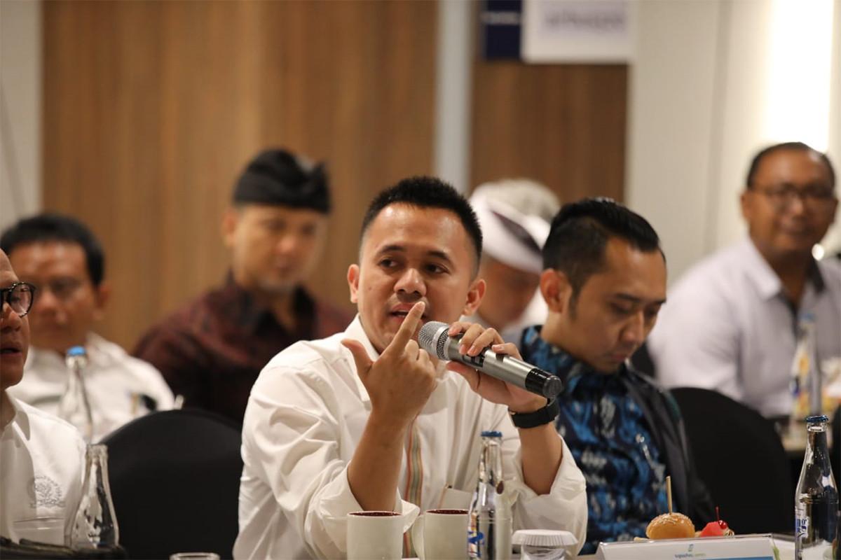 Mufti Anam Tak Bisa Bayangkan Pusingnya Tiko dan Budi Membantu Erick Thohir - JPNN.com