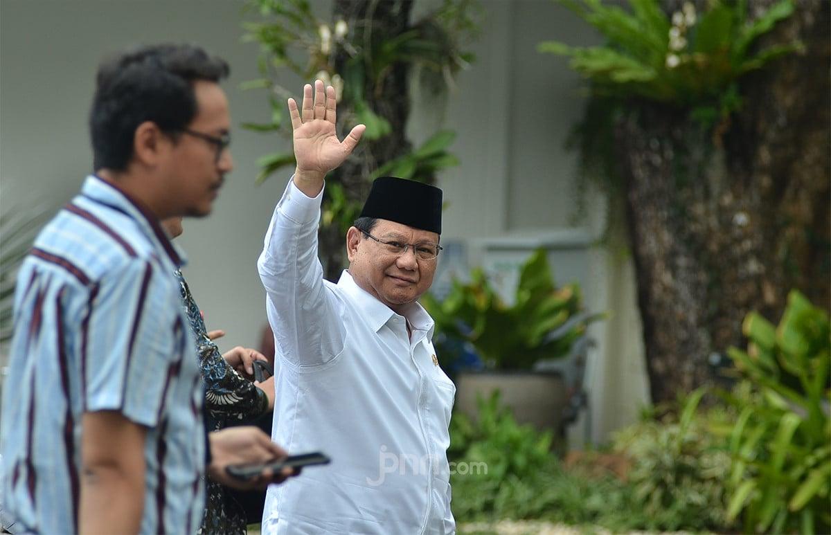 Jokowi Berikan Instruksi Sangat Tegas Kepada Prabowo Subianto - JPNN.com