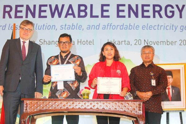 Danone Aqua Dukung Upaya Pemerintah Gunakan Energi Terbarukan - JPNN.com