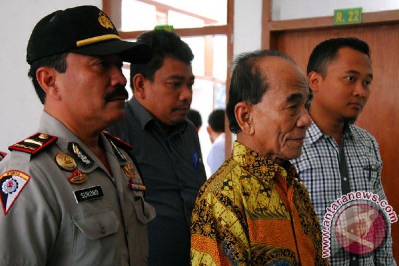 KPK Kaget Jokowi Berikan Grasi ke Koruptor Annas Maamun - JPNN.com
