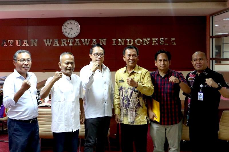Pemprov Kalsel & PWI Pusat Teken Perjanjian Kerja Sama HPN 2020