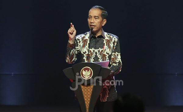 Jokowi: Pemerintah Tidak Akan Menggaji Pengangguran - JPNN.com
