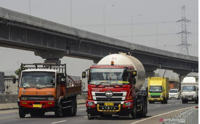 Jalan Tol Layang Terpanjang di Indonesia Siap Beroperasi - JPNN.com