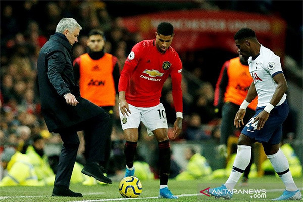 Manchester United Beri Kekalahan Pertama Buat Jose Mourinho - JPNN.com