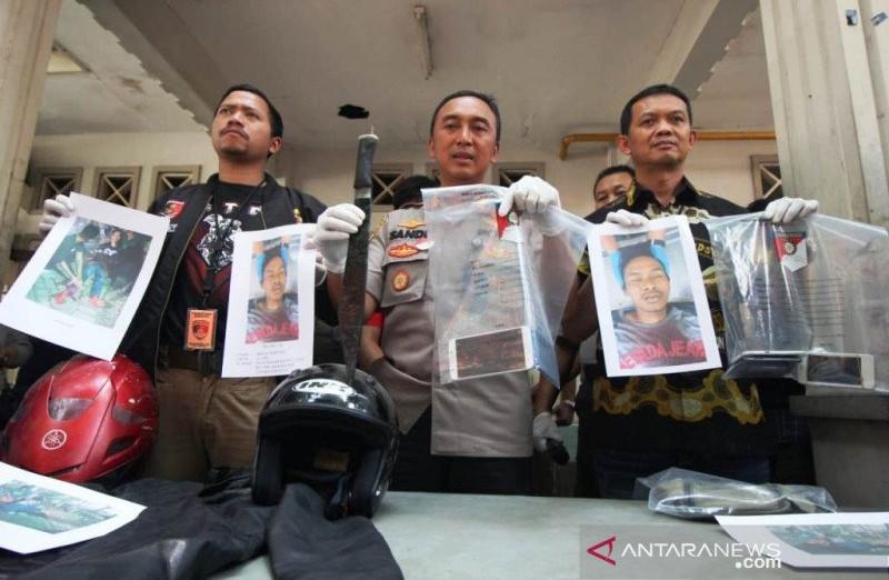 Sang Eksekutor Sadis Ditembak Dadanya, Dor! - JPNN.com
