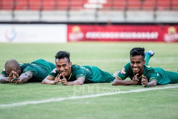 Aji Santoso Beber Kunci Persebaya Kalahkan Bhayangkara FC - JPNN.com