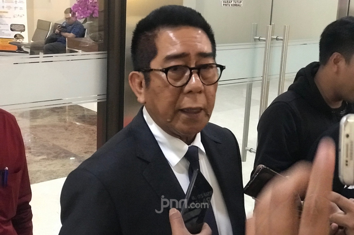 Henry Yosodiningrat Laporkan Rocky Gerung, Publik Bisa Jenuh pada PDIP - JPNN.com