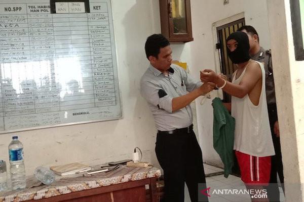 Polisi: Penjaga Indekos adalah Pelaku Utama Atas Pembunuhan Wina Mardiani - JPNN.com