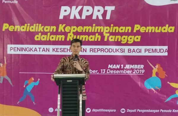 Setelah di Kampus, Kemenpora Gelar Literasi Pranikah di Sekolah - JPNN.com